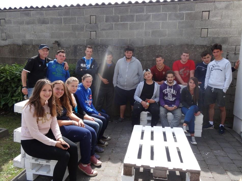 2015 - photo de groupe à la Maison de quartier de Houdeng