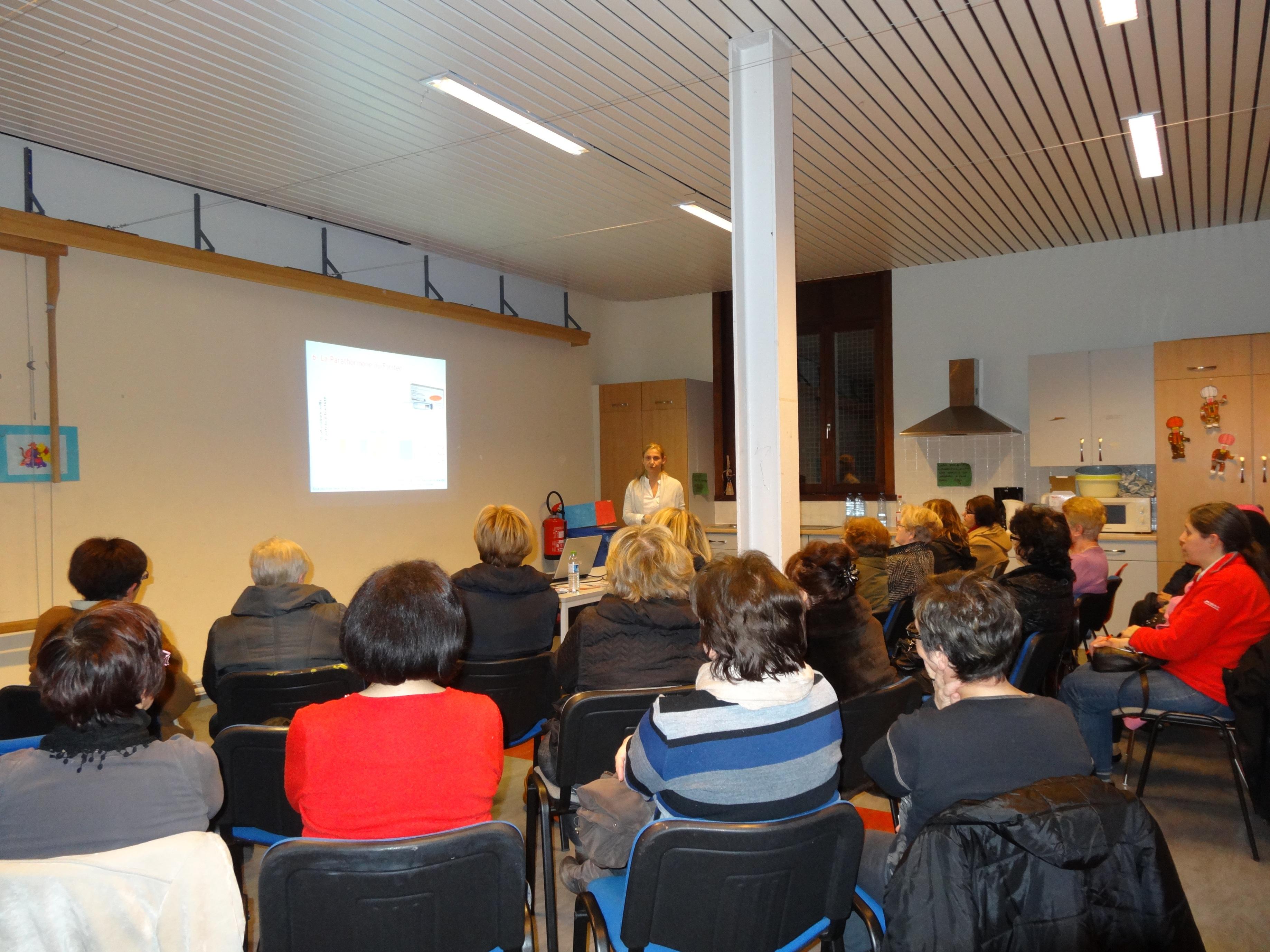 Conference Maurage à la Maison de quartier de Maurage